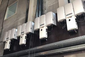 1600 Zonnepanelen op het dak van Van Deuveren Transport