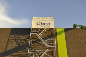 2.000 panelen op het dak van een groene retailer 1