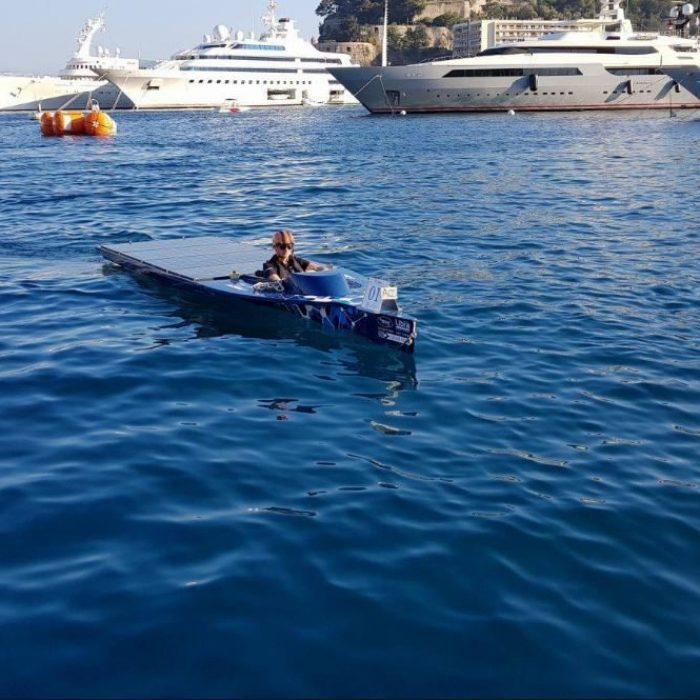 Libra Energy sponsort Solar Boat van Whisper Power Solar Team