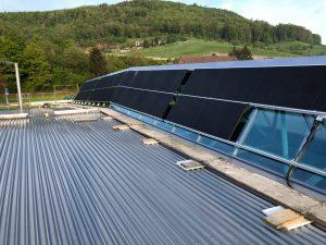 Suncrest in Zwitserland installeert 192 zonnepanelen op een hondenvoerfabriek 3